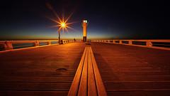 a star on the pier (Blende1.8) Tags: star sternenkranz light licht night nightscape nachtaufnahme pier nieuwpoort belgium belgien northsea nordsee voigtländer voigtlaender 10mm heliarhyperwide emount sony alpha ilce7rm2 a7rii a7rm2 westflandern westvlaanderen vlaanderen flandern flanders leuchtturm lighthouse nacht