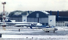 SP-LCC and 628 Mil8 WAW 180293 (kitmasterbloke) Tags: waw warsaw warsawa lot polska poland 1993 ilyushin yakelov airport aircraft outdoor snow cold freezing aviation