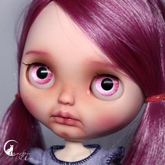 "#86 Blythe Custom prima Dolly Violet • <a style=""font-size:0.8em;"" href=""http://www.flickr.com/photos/21011876@N05/30938124038/"" target=""_blank"">View on Flickr</a>"