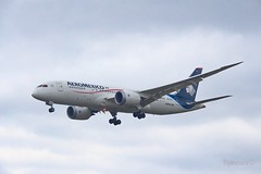Aeromexico 787-8 N964AM at London Heathrow (flywunala) Tags: