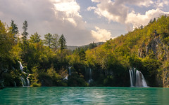 Plitvice National Park (RigieNL) Tags: plitvičkajezera plitvička jezera plitvice croatia kroatie europe europa water waterfall waterscape landscape nature naturelovers natureshots nationalpark plitvicenationaalpark meren awesome awesomeness dream dreamscape insta instagram longexposure le clouds sun sunny sony sonya6000
