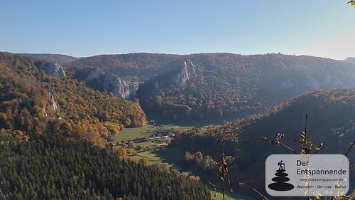 Blick vom Knopfmacherfelsen auf das Donautal und das Jägerhaus