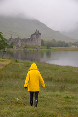 Schottland Kilchurn Castle (Oli_21) Tags: schottland urlaub reise kilchurn castle schloss loch regen gummistiefel regenjacke wolken clouds sony a7 a7ii sonya7ii highlands