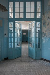 Mauro Amoroso © (Mauro_Amoroso) Tags: mauroamorosoadventures urbex abandoned decay blue therme france francia french dusty room dustysecrets pool