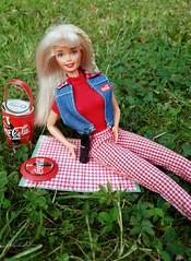 Barbie Coca-cola Picnic doll (alenamorimo) Tags: barbie barbiedoll doll picnic barbiecollector superstar