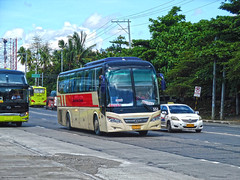 Davao Metro Shuttle 553 (Monkey D. Luffy 2) Tags: guilin daewoo yuchai bus mindanao philbes philippine philippines photography photo enthusiasts society explore road vehicles vehicle outdoors