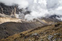 Valley en route to Narethang - Gasa District - Snowman Trek - Bhutan (PascalBo) Tags: nikon d500 asie asia southasia asiedusud drukyul drukgyalkhap bhutan bhoutan འབྲུག་ཡུལ། འབྲུག་རྒྱལ་ཁབ་ snowman trek trekking hike hiking trekker lunana gasa himalaya himalayas jigmedorjinationalpark montagne mountain landscape paysage clouds nuages outdoor outdoors pascalboegli