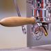 Nahaufnahme einer Espressomaschine aus Edelstahl