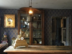 Long time ago - Uhrmacher Werkstatt (Sockenhummel) Tags: museum uhrmacher dänemark aarhus raum uhr iphone