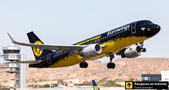 Airbus A320 Eurowings (Borussia Dortmund livery) D-AIZR (Ana & Juan) Tags: airplane airplanes aircraft airport aviation aviones aviación airbus a320 eurowings takeoff departure alicante alc leal spotting spotters spotter planes canon closeup