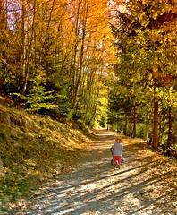 Herbstspaziergang mit Enkelin - Autumn walk with granddaughter