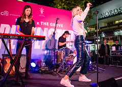 Katelyn Tarver 10/11/2018 #26 (jus10h) Tags: katelyntarver playlisted thegrove losangeles la nylon mag magazine citi privatepass caruso rewards shopping center live music free concert event performance park courtyard female singer young beautiful sexy talented artist nikon d610 2018 october thursday justinhiguchi