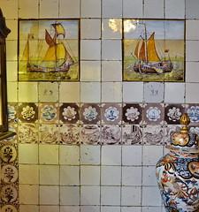 Schmuckstücke aus Leer (antje whv) Tags: leer ostfriesland norddeutschland northerngermany fliesen tiles bilder pictures schiffe ships alt old