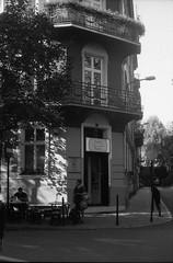dumplimg shop (azusa91) Tags: krakow poland street church leica summicron kentmere400 lomography800 nikon35ti