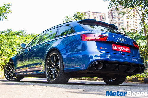 Audi-RS6-Avant-Performance-12