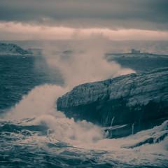 vagues (Mireille Muggianu) Tags: bouchesdurhone europe france lesgoudes marseille provencealpescotedazur mer paysage vague wave carré samsung nx nx500