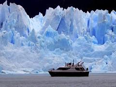 Perito Moreno Boat (terraexperiences) Tags: argentine chili glacier patagonie perito moreno cordillere des andes lago argentino parc national naturel el calafate chalten fitz roy chilienne terraargentina argentina