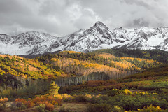 Autumn at Rocky Mountains (FotoByOliver) Tags: tags colorado autumn mountain hills travel yellow roadtrip landscape clouds western slope roads color fall colors leaves trees herbst autunno outono autumnal usa america american colores us colours rocky high all rights reserved aspen captures copyright mount sneffels nature night peaks ridgway san juan range juans seasons sky wilderness snow stars