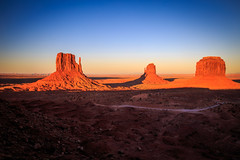 Monument Valley at Sunset (ncs1984) Tags: monumentvalley monument valley sunset dusk rock butte buttes mesa navajo rocks mittens mitten arizona utah southwest nature geology color colour colours colors canon 6d canon6d nice beautiful light red orange sky travel usa america
