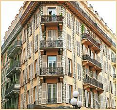Immeuble à Nice, Alpes-Maritimes, Provence-Alpes-Côte d'Azur, France (claude lina) Tags: claudelina france provencealpescôtedazur alpesmaritimes nice immeubles building architecture