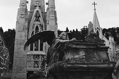 Cementiri de Montjuïc, Barcelona (spefretus) Tags: barcelona spain cemetery angel church tomb leica m5 monument sculpture bw film analog