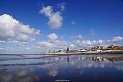 DSC08032 (ZANDVOORTfoto.nl) Tags: zandvoort beach beachlife sun clouds dutchclouds wolken nederland kiters kite kiting wolk zee zon noordzee