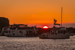 D22565E7 - Sunset Over the Anchorage (Bob f1.4) Tags: boats houseboat trawler anchored waiting for fireworks 4th july 2018 orange sky thn haze layer cloud outdoors calm water mandervill tip california sacramento delta san joaquin river summer is over