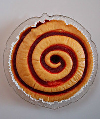 2018 Sydney: Jam Teacake (dominotic) Tags: 2018 food dessert raspberryjamteacake spiral circle yᑌᗰᗰy sydney australia
