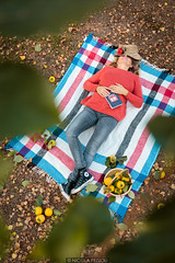 Nap (Nicola Pezzoli) Tags: leffe val gandino bergamo nature fall season autumn autunno nap dream picnic girl kaki fruit