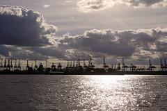 skyline - Hamburg (Frank S (aka Knarfs1)) Tags: hafen harbour hamburg sea see port deutschland