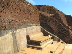 King Kassapa Throne (D-Stanley) Tags: king kassapa srilanka sigiriya lion rock dhatusena anuradhapura