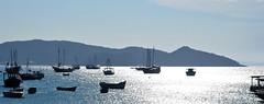 LOUCA por isso! (Ruby Ferreira ®) Tags: boats beach silhuetas silhoeuttes sea oceanoatlântico