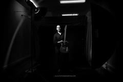 Sesiones de estudio y guitarra 1919-D800-123-01 (mjreyes07) Tags: blancoynegro monocromo retrato retratodeestudio musica guitarra viladecans baixllobregat