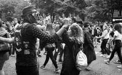 Technoparade (Paris - 22/09/18) (flemi) Tags: noiretblanc blackandwhite nb bw pentax mz5n ilford hp5 paris france technoparade teknoparade