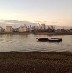 Dusk At Greenwich (msganching) Tags: dusk thames greenwich boats buildings sky gloaming london londonist river