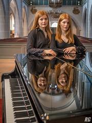 Piano Duo - Clara and Marie Becker (Rudi G.) Tags: piano klavier church twins pianoduo claramariebecker portrait reflektion flügel tasten kirche vierhändig