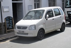 2001 Vauxhall Agila (occama) Tags: y517hhb 2001 vauxhall agila old car cornwall uk white opel bangernomics small kei