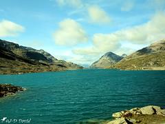 Lac Blanc au Col de la Bernina (Jean-Daniel David) Tags: montagne grisons ciel suisse alpes paysage lac lacdemontagne lacblanc col nuage eau nature bernina