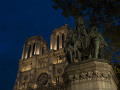 Where's the bell ringer? (zenti66) Tags: paris notre dame seine night lights city monument river