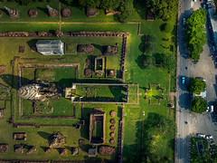 Wat Phrasi Rattana Mahathat (grantthai) Tags: temple ruins wat structure antiquity prang khmer lopburi thailand dji mavic birdseye road cars vehicles aerial drone