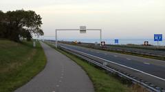 DSCN8828 (DutchRoadMovies) Tags: stevinsluizen afsluitdijk den oever a7 rijksweg ijsselmeer waddenzee bridge lake freeway motorway water sea locks