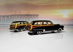 1947 Buick Roadmaster Station Wagon & 1949 Oldsmobile Futuramic 88 Station Wagon - The Danbury Mint 1:24 (BlueAtlantic38) Tags: wagon stationwagon woody 1947 1949 thedanburymint buick oldsmobile 88 roadmaster futuramic v8 l8 124 hobby scalemodel americancar