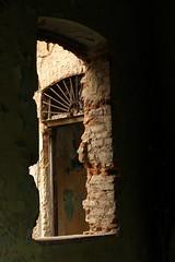 ruin !!! (yasin.orhan) Tags: ruin window