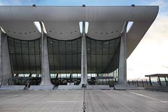 IMG_2030 (trevor.patt) Tags: saarinen architecture modernist airport iad washingtondc catenary