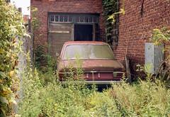 Audi 100 C1 (piotr_gaczkowski) Tags: exa pokładowa łódź rust rusty audi analog film lomography800 ihagee