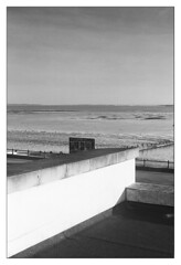 Westcliff Beach (exreuterman) Tags: film 35mm adox fx39ii ilford delta100 paterson