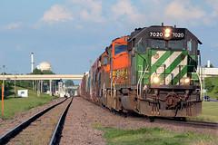 BNSF 7020 Grand Forks 1 Jun 06 (AK Ween) Tags: bnsf bnsf7020 emd sd402 grandforks northdakota hillsborosub hgfdgal cascadegreen gp60m train railroad