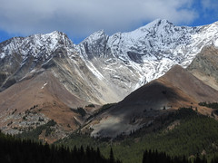 Our majestic mountains (annkelliott) Tags: alberta canada kananaskis kcountry rockymountains canadianrockies nature landscape scenery mountain mountainside mountainslope peak ridge rock abovethetreeline erosion geology folds snow tree forest sky cloud outdoor fall autumn 25september2018 nikon p900 nikonp900 coolpix annkelliott anneelliott ©anneelliott2018 ©allrightsreserved