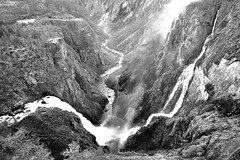 CASCATE DI VORINGFOSSEN (ADRIANO ART FOR PASSION) Tags: norvegia norway cascate waterfalls voringfoss bn bw nikond90 d90 paesaggio montagna sigma1020 gola canyon acqua water norge