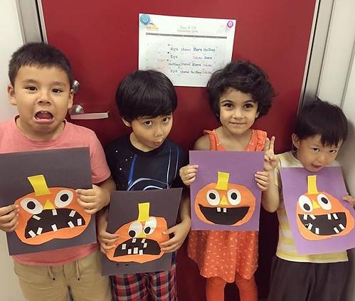 Check out our silly jack o lanterns! ハロウィンの準備スタート!👻🎃 #preschool #daycare #kindergarten #tokyo #minato #artsandcrafts #halloween #jackolantern #東京 #保育園 #幼稚園 #ハロウィン #港区
